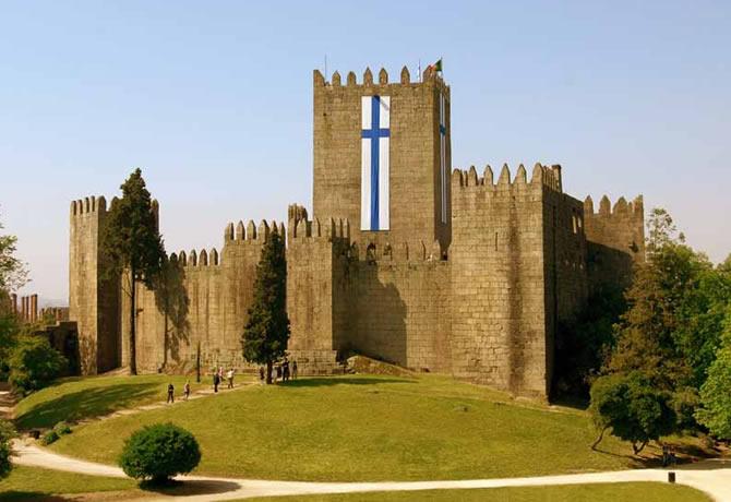 Il castello diGuimarães 7 meraviglie del Portogallo